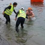 Roland und die Ausstiegshelfer am See