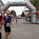 Roland strahlt nach dem gelungenen Triathlon