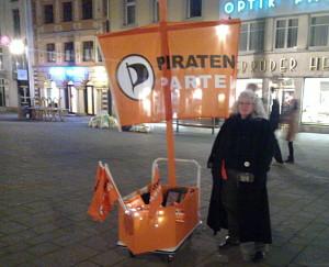 Ute nachts Marktstätte Piratenschiff 2011 Piratenpartei