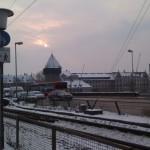 Rheinbrücke mit Rheintorturm im Schnee Konstanz Bodensee