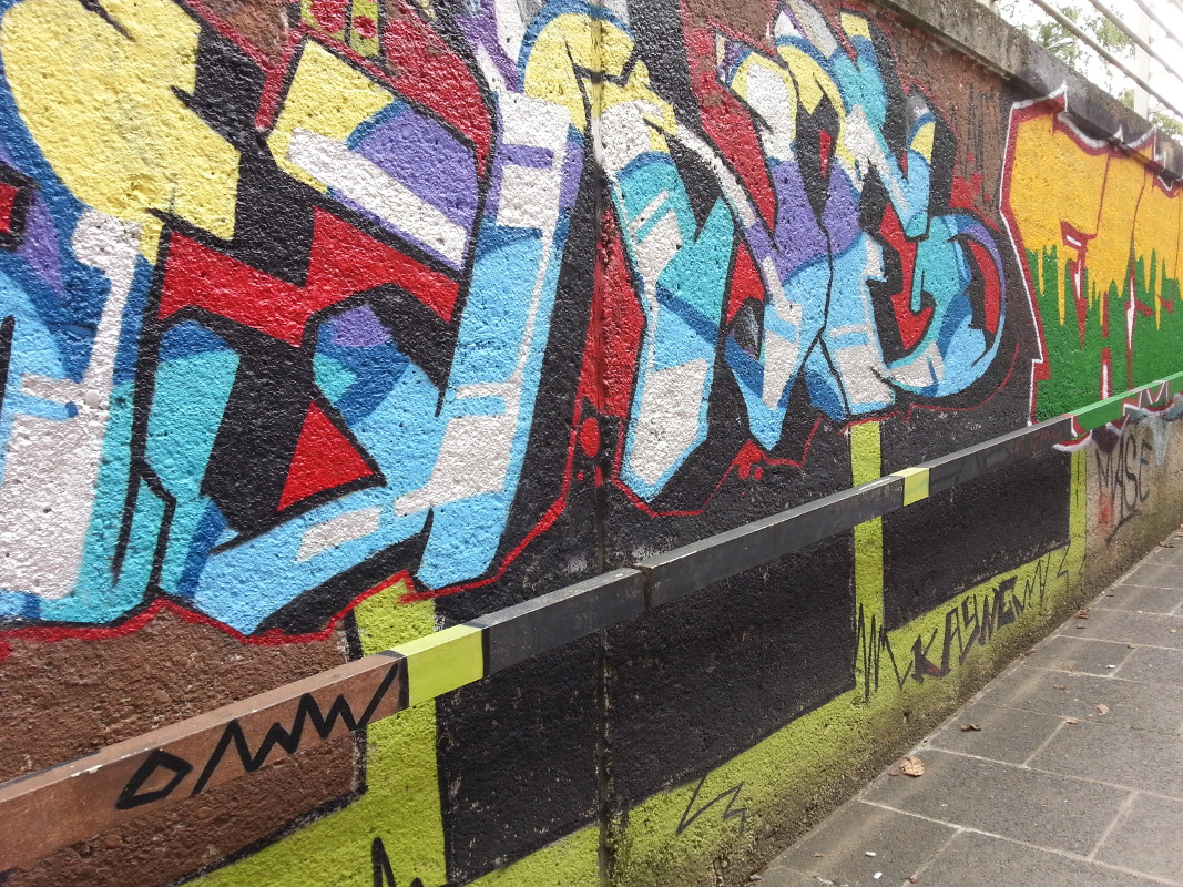 Graffiti Unterführung Trier 2013 sogar Geländer sind integriert