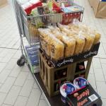 Einkaufen für den Lieferservice - vieles in größeren Mengen