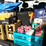 Kistenweise, Nudeln, Waschmittel und Getränke