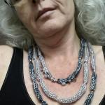 Strickkette dreireihig getragen