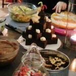 Dessertbuffet mit Kalter Hund mit Silvester-Feuerwerk und Elefant in dreistöckiger Sternform