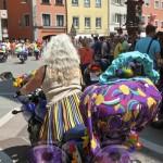 Motorrad mit Handtasche CSD am See