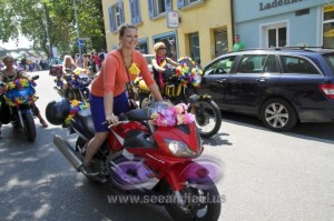 Moped fahren auch im Stehen CSD am See