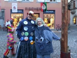 Datenträger-Häs mit CDs live beim Narrenbaum - Fasnet Häs