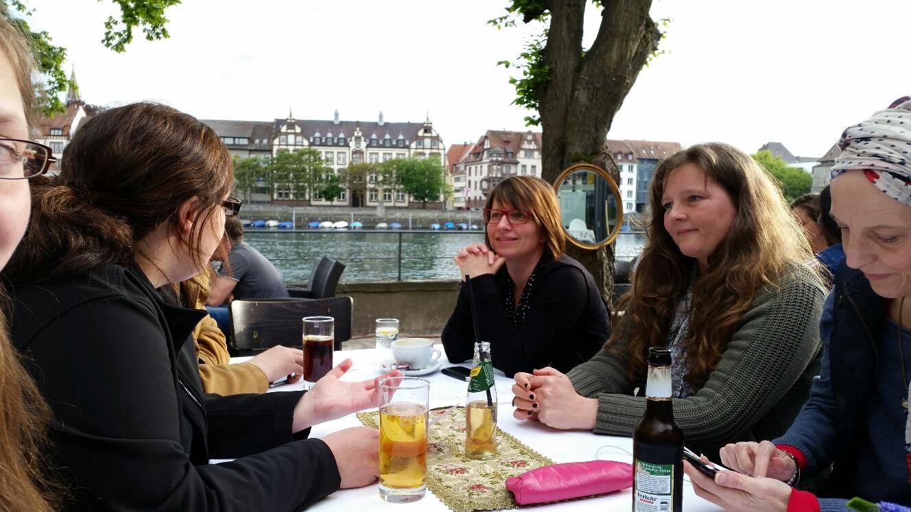 tweetup im Seerhein - Garten mit Blick auf den Rhein