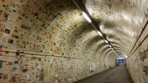 ( (S) guardo Lugano Zeitungsunterführung Rüdiger, Roland und Graffiti - sottopassaggio pedonale di Besso a Lugano