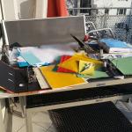 Malerisches Chaos vorm Sortieren - Buchhaltung und Papierkram mein Umgang damit zum Jahresanfang