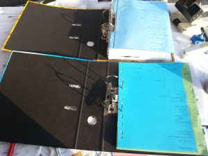 Register und Prospekthüllen - Buchhaltung und Papierkram mein Umgang damit zum Jahresanfang