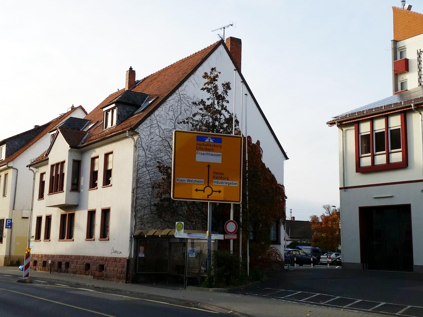 Straßenschild nach Froschhausen