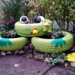 """""""Schlägerfüße"""", gemalte Hände... Gartendeko Reifenfrosch bepflanzt"""