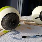 Froschaugen erste Malrunde - Gartendeko Reifenfrosch bepflanzt