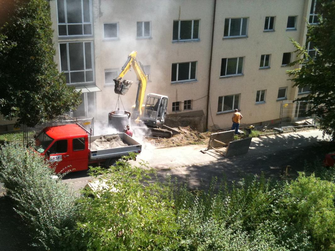 8/2011 Ehemals Studiwohnheim, leerstehend, Wollmatinger Straße, Bundesimmobilie, Sanierung, Konstanz