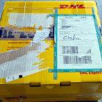 DHL-Paket mit Zusatzhinweis Chefin zur Adresse